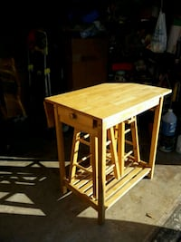 ISLAND TABLE WITH DROP LID AND 2 STOOL