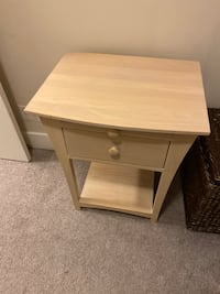 2 Nightstands Abbotsford, V2S 4A1