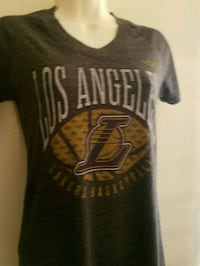 T shirt for her sz Small $2 Vista