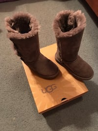 Girls UGG's shoes Harahan, 70123
