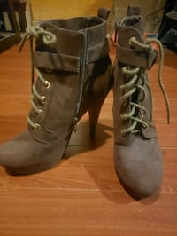 Brown guess botties. Size 7