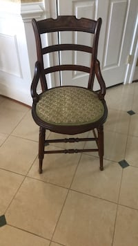 Vintage Wooden Chair Potomac, 20854