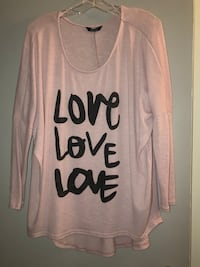 Plus size 2X oversized 'love' pink top with long sleeves.