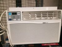 New UBERHAUS window Air Conditioner, used one mont Dollard-des-Ormeaux, H9G 3C6