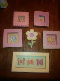 five assorted butterfly and flower photo frames Whitehouse, 75791