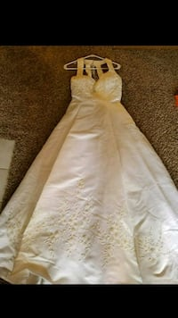 Wedding Gown West Des Moines, 50266