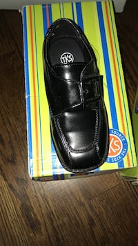 unpaired black leather TKS loafer with box Florissant, 63034