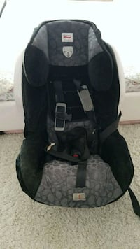baby's black and gray car seat London, N6K 1L4