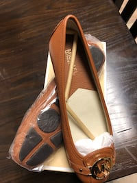 New Michael Kors shoes, size 8 New York, 11379