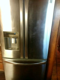 Stainless steel French door kenmore Houston, 77033