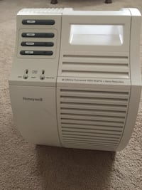 Honeywell air filtration system with 2 filters.