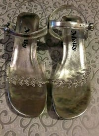 NEW GIRLS Silver Heels shoes size 11
