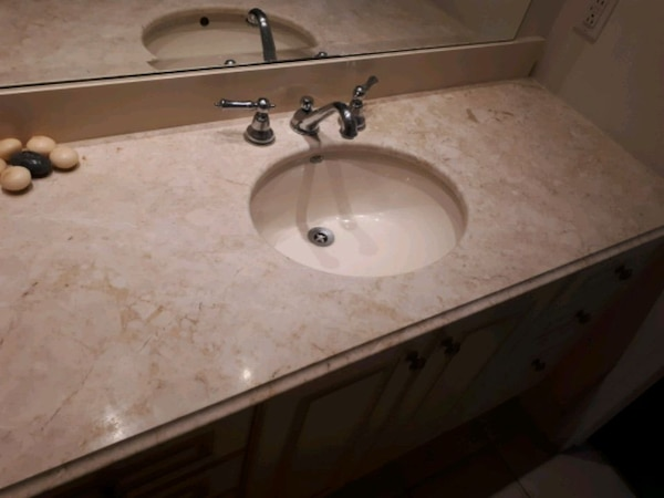 Vanity granit for bathroom 05c03f50-e5f4-4bf2-bddc-dcc0a37ec171