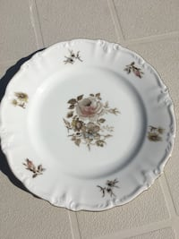 White and green floral ceramic plate