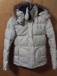 Yishion Jacket Vancouver, V5P 3T8