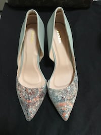 gray-and-orange floral leather pointed-toe shoes