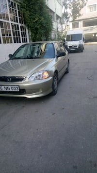 Honda  - civic  - 2000 8468 km