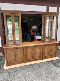 China Cabinet, late '60s to early '70s Sleepy Hollow, 60118