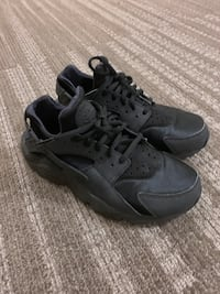 Nike Women's Air Huarache Run (All Black) size 10 US  (= perfect fit for size 9 US).  Washington, 20037