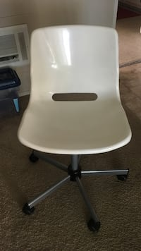 White swivel/rolling chair Tustin, 92780
