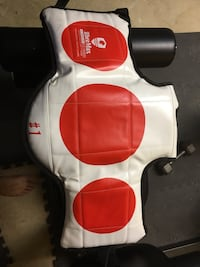 white and red leather pad Columbia, 21046