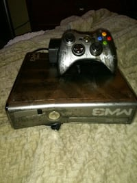 XBOX 360 MW3 CONSOLE AND CONTROLLER Fullerton, 92833