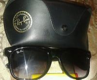 black Ray-Ban wayfarer sunglasses with case Moncton, E1A
