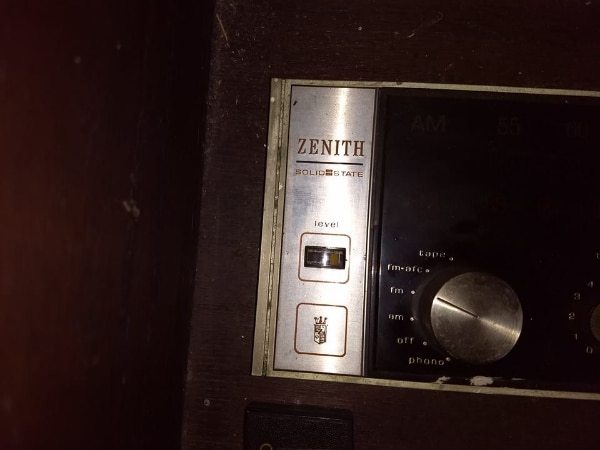 Antique Audio Equipment (Zenith solid state 8-trac