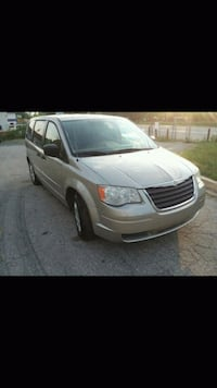 2008 Chrysler Town and Country Bowie