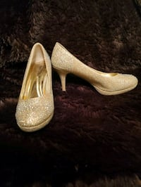 Gold sequin shoes size 8 1/2