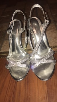 Shoes Pair of silver-colored open-toe heeled sandals New Caney, 77357