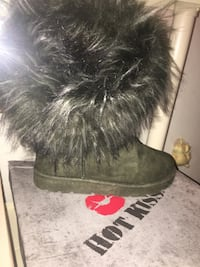 Brand new still in the box size 7 gray fluffy boots Red Lion, 17356
