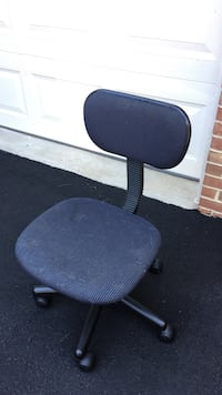 black fabric office rolling chair Fairfax Station, 22039