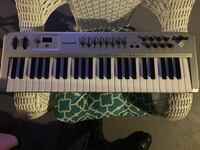 Gray and black electronic keyboard Brooklyn, 21225