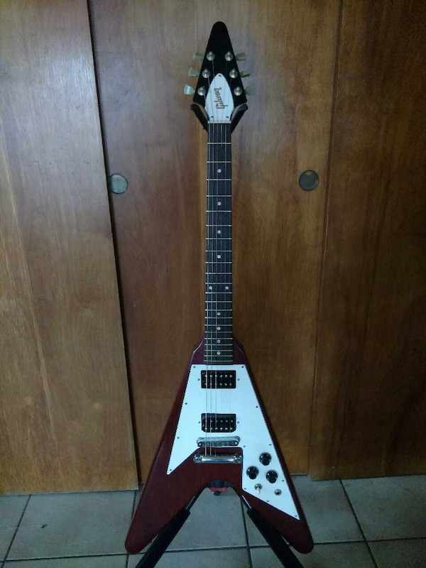 used 2006 gibson faded flying v guitar all original for sale in hastings letgo. Black Bedroom Furniture Sets. Home Design Ideas