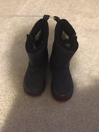 Boys winter shoes. Size 8. Lands End. Great condition!!! Woodbridge, 22193