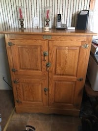 Amish made hutch solid real wood Lancaster, 17602