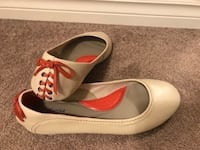New-Hush puppies leather flats,Size:8 Calgary, T2A 4H7