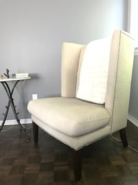 Wing back chair Brossard