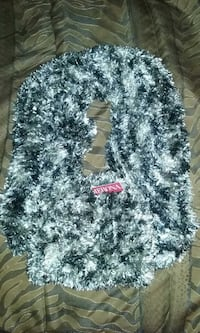woman's hat and scarf set