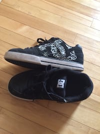black-and-white DC Shoes low-top sneakers