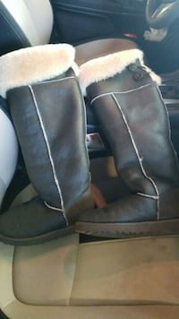 Ugg boots, size 8. Purchased for $300. Only worn 2 Murfreesboro