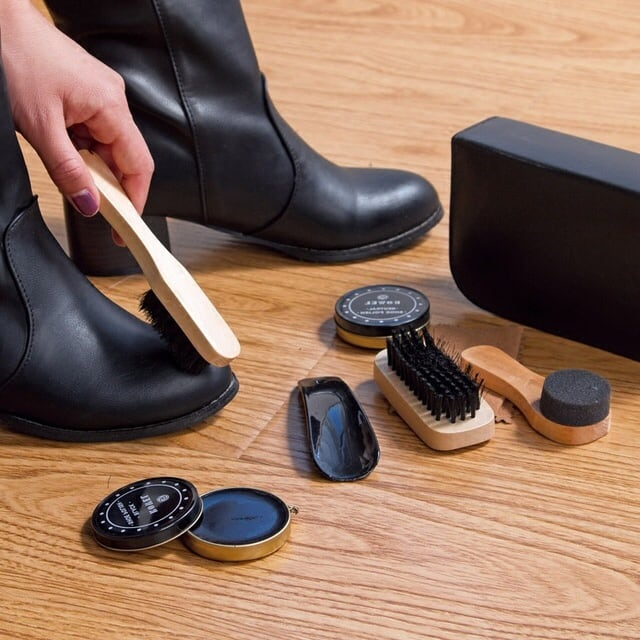 shoe cleaning