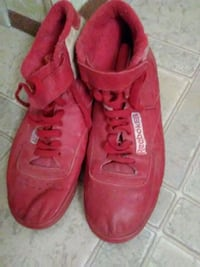 VINTAGE size 9 Reebok leather shoes Yuma