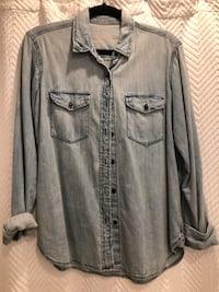 Chambray denim top women's size small Aurora, L4G 6R5
