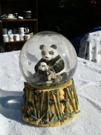 panda bear snow globe with music Newport, 99156