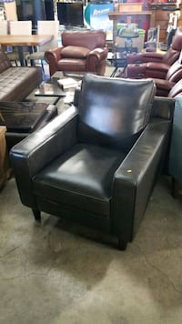 leather chair Mississauga, L4X 1R1
