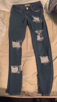 Blue denim jeans and white and black floral pants Laredo, 78040