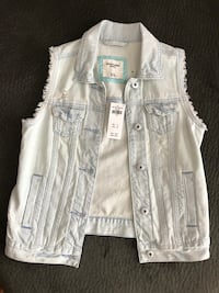 Abercrombie kids size 11/12 original price was $49, new with tags, never worn  422 mi
