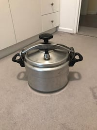 stainless steel cooking pot with lid Toronto, M4K